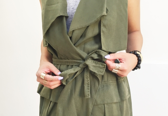 August 11 - My Obsession Monday - Zara Flowy Vest - Knot crop