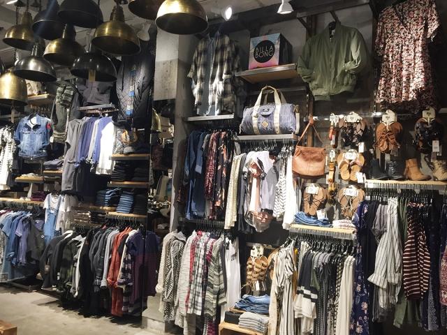 NEON Spring Shopping - store.jpg